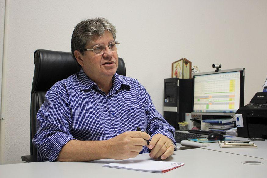 """João Azevedo alfineta chapa da oposição: """"não sou irmão de ninguém"""" -  ClickPB"""
