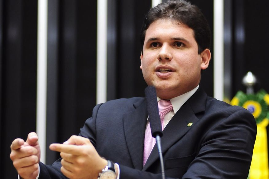 Hugo Motta convoca partidos para aprovarem PEC da Vaquejada