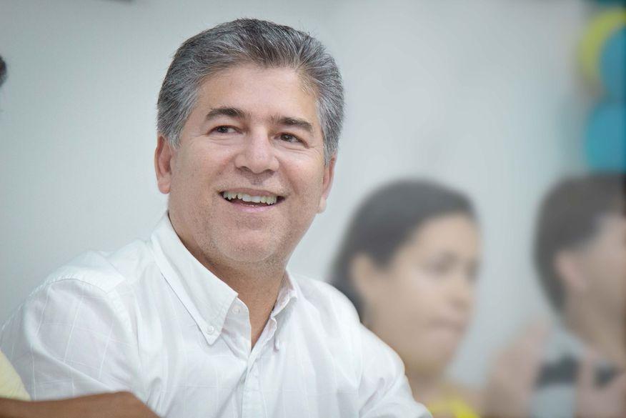 Justiça investiga denúncia de contratações irregulares pelo prefeito de Cabedelo