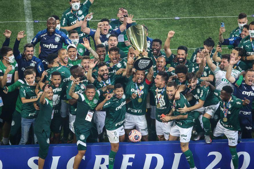 Palmeiras vence Corinthians nos pênaltis e é campeão paulista após 12 anos