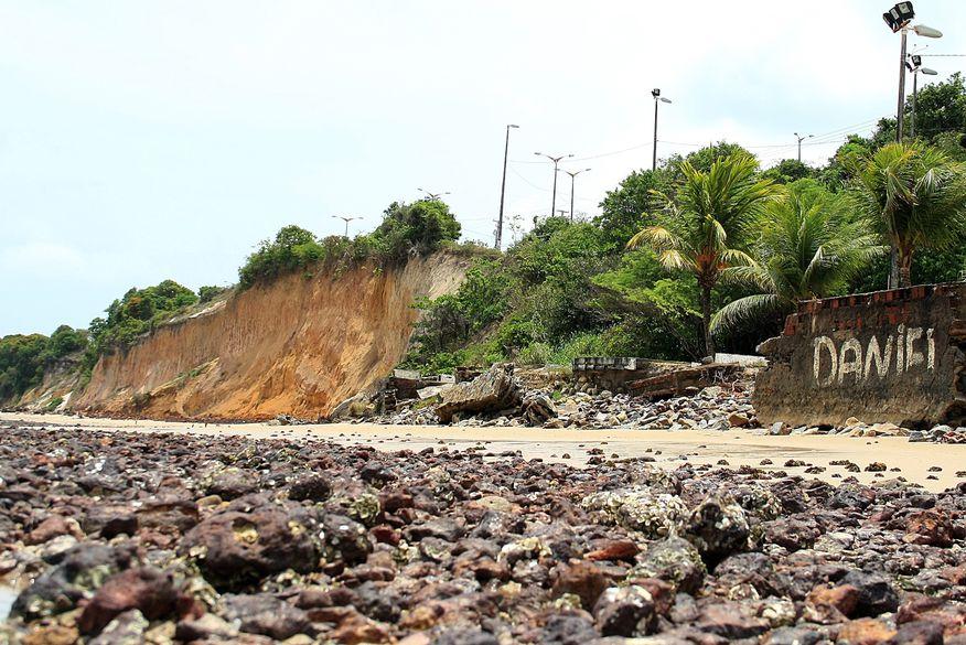 Ministérios, Prefeitura e Estado discutem situação da Barreira do Cabo Branco
