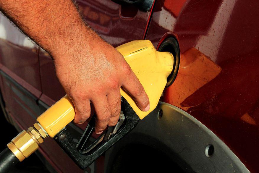 Preço do diesel nas refinarias sobe pelo 2º mês