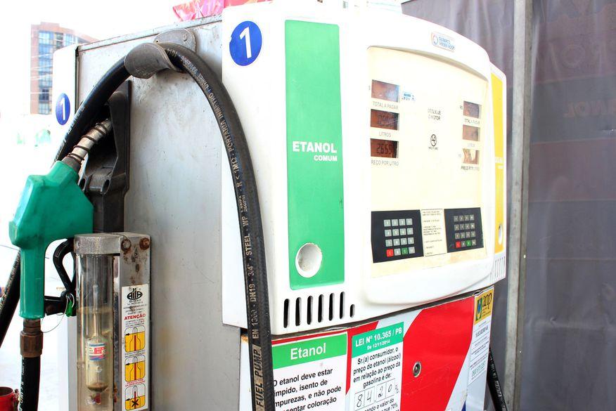 Juíza federal suspende aumento dos impostos de combustíveis em todo o país.