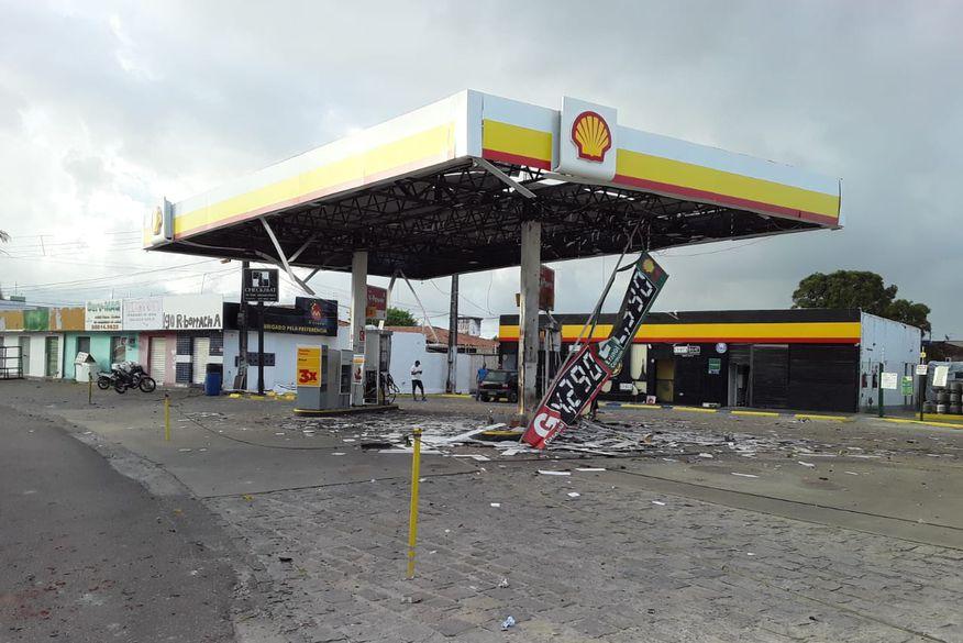 Gangue da Dinamite explode cofre de posto de combustível no bairro do Cristo