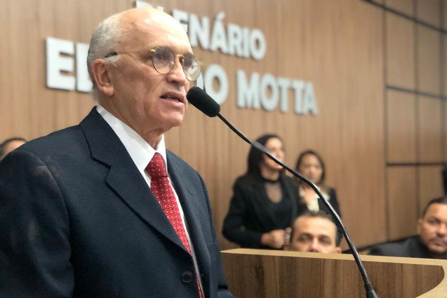 Ivanes Lacerda é eleito prefeito interino de Patos em votação na Câmara