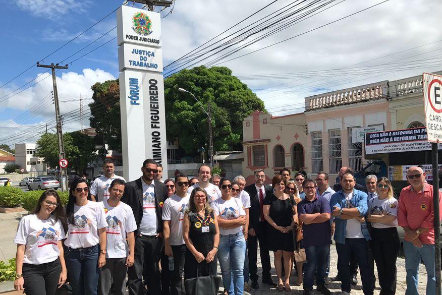 Juízes e advogados do Trabalho protestam em João Pessoa e Campina Grande contra reformas