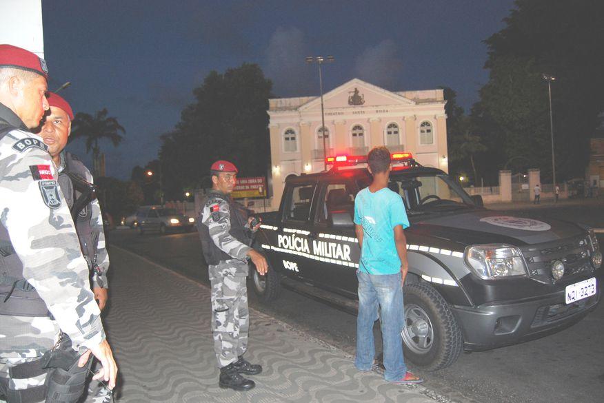 ba1214b6919 Polícia apreende suspeitos de roubar joalheria em shopping da ...
