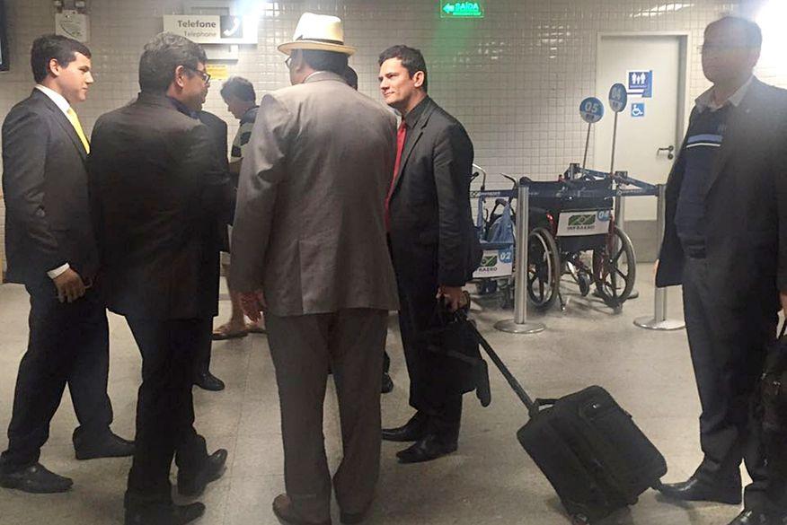 Resultado de imagem para Sergio Moro desembarcou