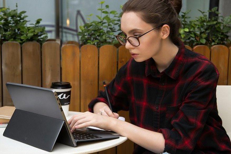 Super notebook feito por mais de mil pessoas pode bater MacBook de 12