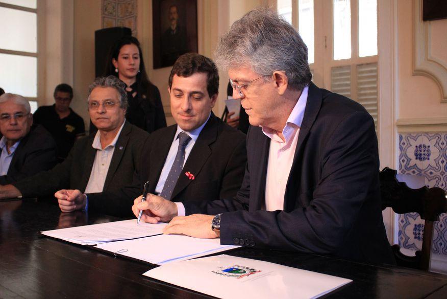 Ricardo estima renúncia fiscal na ordem de R$ 6 milhões para beneficiar empresas da PB